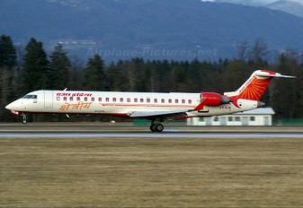 VT-RJB - Air India Regional Canadair CL-600 CRJ-702