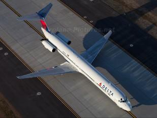 N996DL - Delta Air Lines McDonnell Douglas MD-88