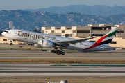 Emirates Airlines A6-EWJ image