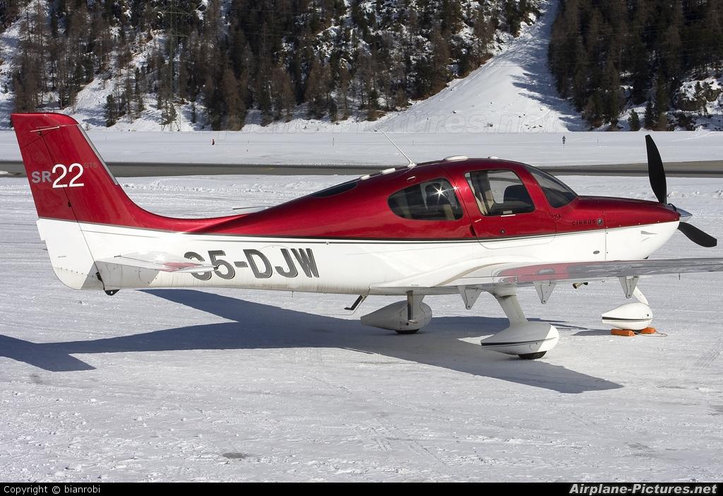 Private S5-DJW aircraft at Samedan - Engadin