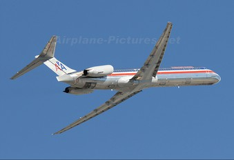 N596AA - American Airlines McDonnell Douglas MD-83