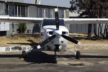ZS-MLV - Private Cessna 210 Centurion