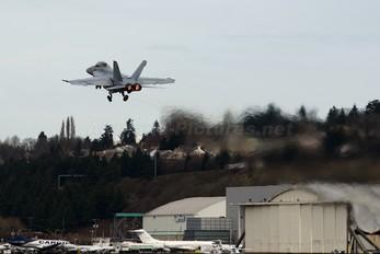 166451 - USA - Navy McDonnell Douglas F/A-18F Super Hornet
