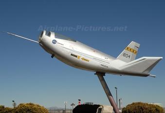 N804NA - NASA Northrop HL-10