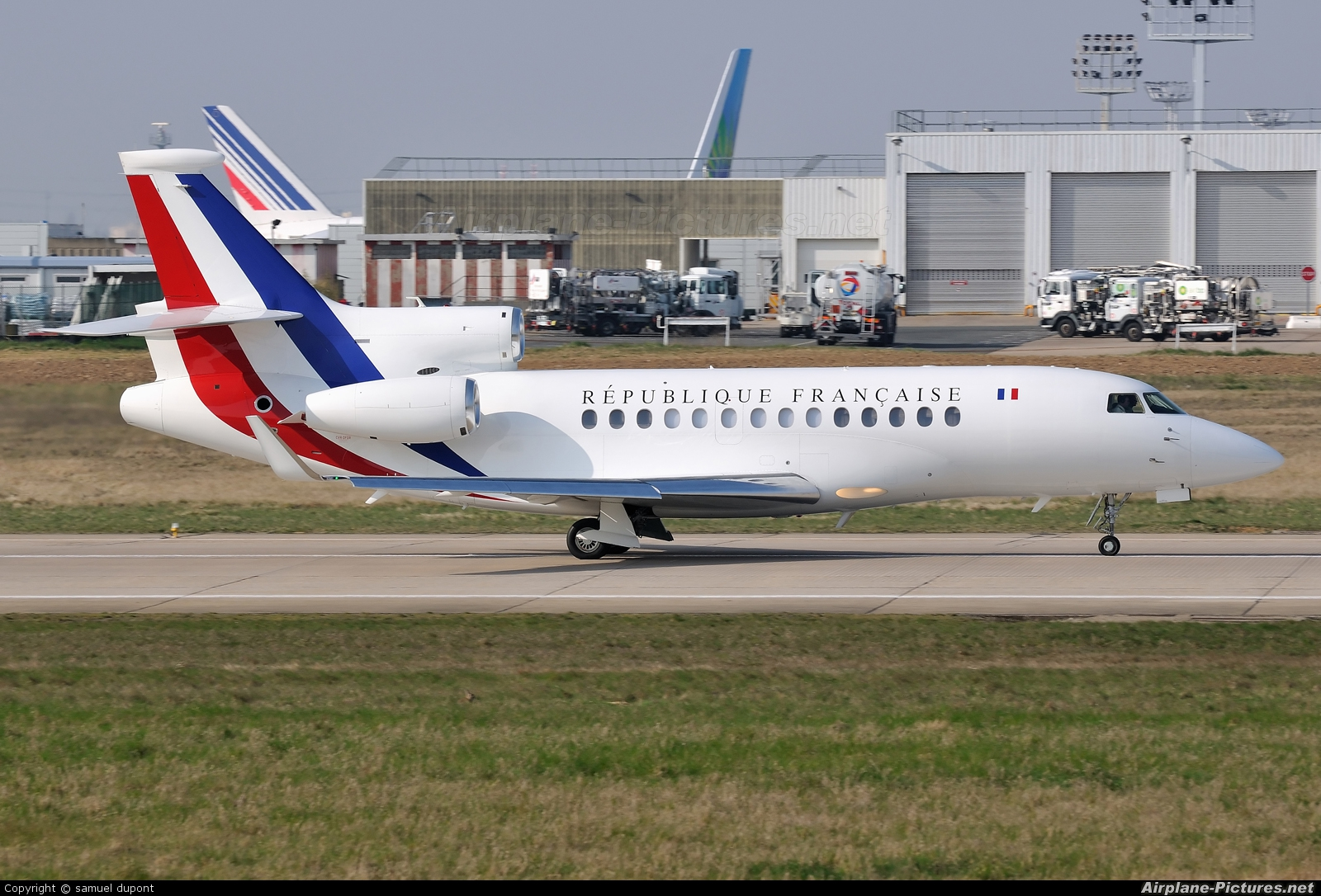 f rafa france air force dassault falcon 7x at paris orly