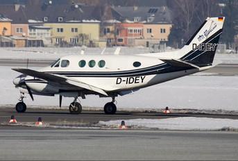 D-IDEY - Private Beechcraft 65 Queen Air