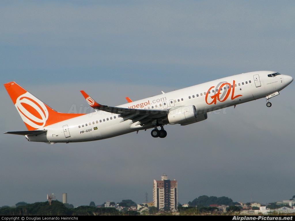 GOL Transportes Aéreos  PR-GGV aircraft at Curitiba -  Afonso Pena