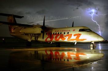 C-GABO - Air Canada Jazz de Havilland Canada DHC-8-300Q Dash 8