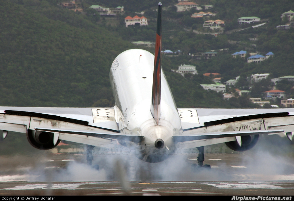 Delta Air Lines N679DA aircraft at Sint Maarten - Princess Juliana Intl