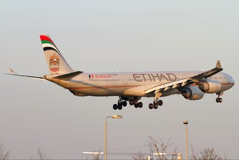 A6-EHE - Etihad Airways Airbus A340-600