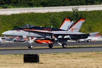 164227 - USA - Navy McDonnell Douglas F/A-18C Hornet