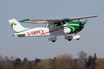 D-EWPR - Private Cessna 172 Skyhawk (all models except RG)