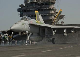 164246 - USA - Navy McDonnell Douglas F/A-18C Hornet