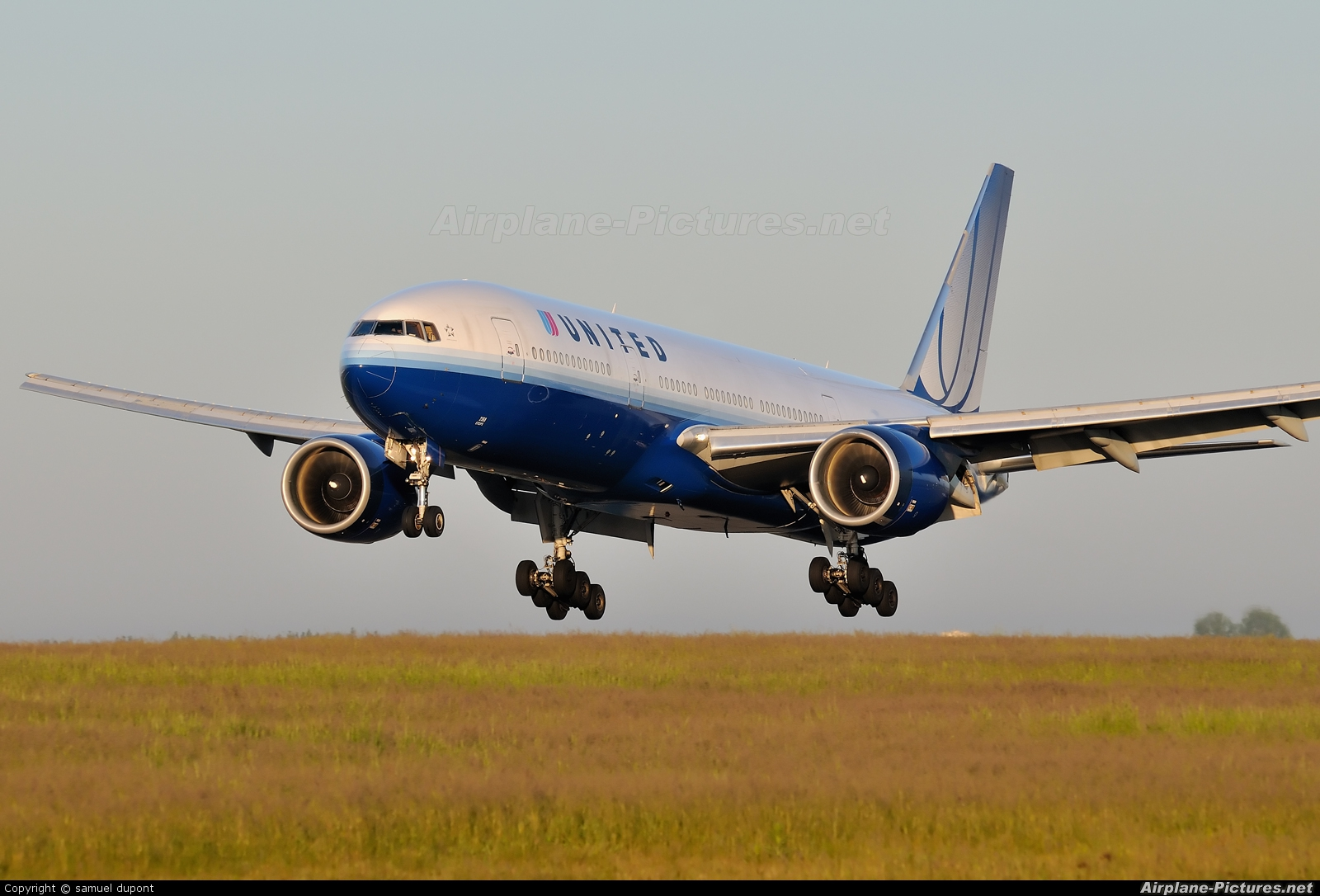 United Airlines N768UA aircraft at Paris - Charles de Gaulle