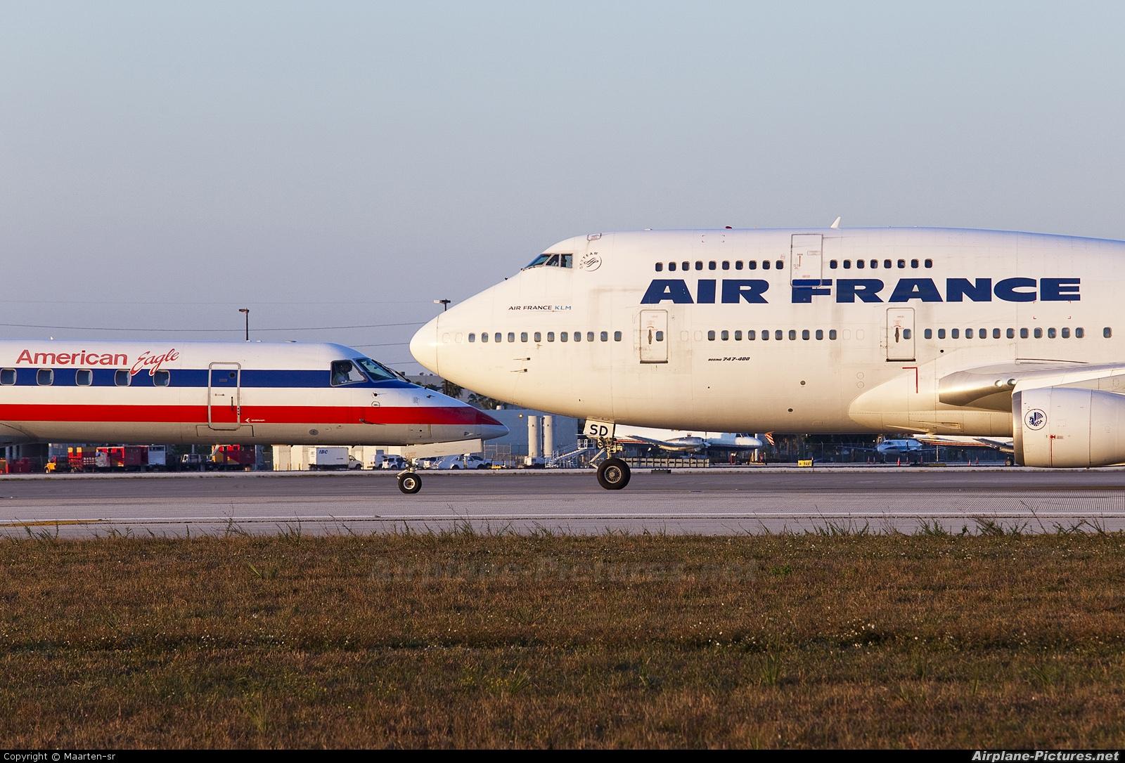 Air France F-GISD aircraft at Miami Intl