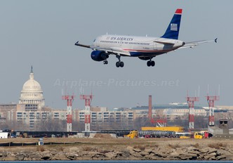 N752US - US Airways Airbus A319