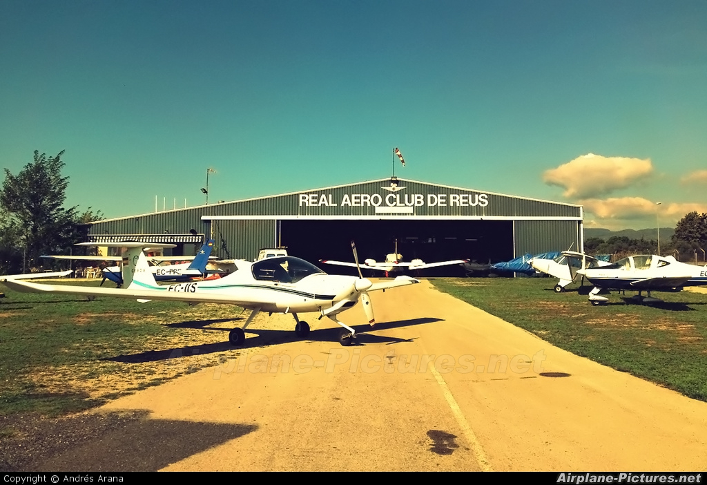 - Airport Overview - aircraft at Reus