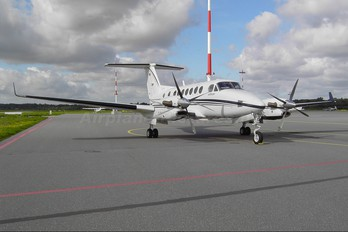 D-COEB - Private Beechcraft 300 King Air 350