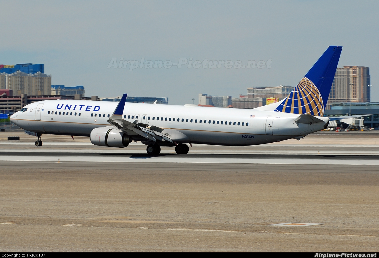 The Best Boeing 737 900 Photos Airplane Pictures Net