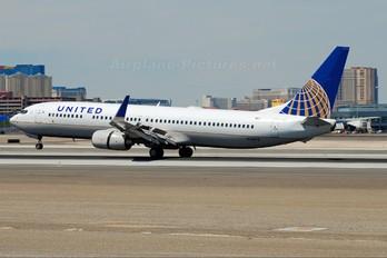 N31412 - United Airlines Boeing 737-900