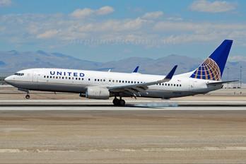 N14228 - United Airlines Boeing 737-800