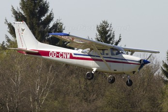 OO-CNW - Private Cessna 172 Skyhawk (all models except RG)