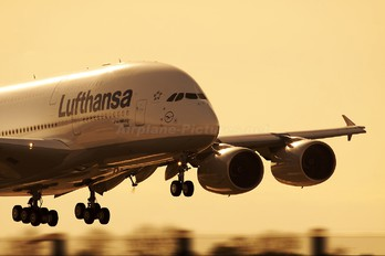 F-WWSN - Lufthansa Airbus A380