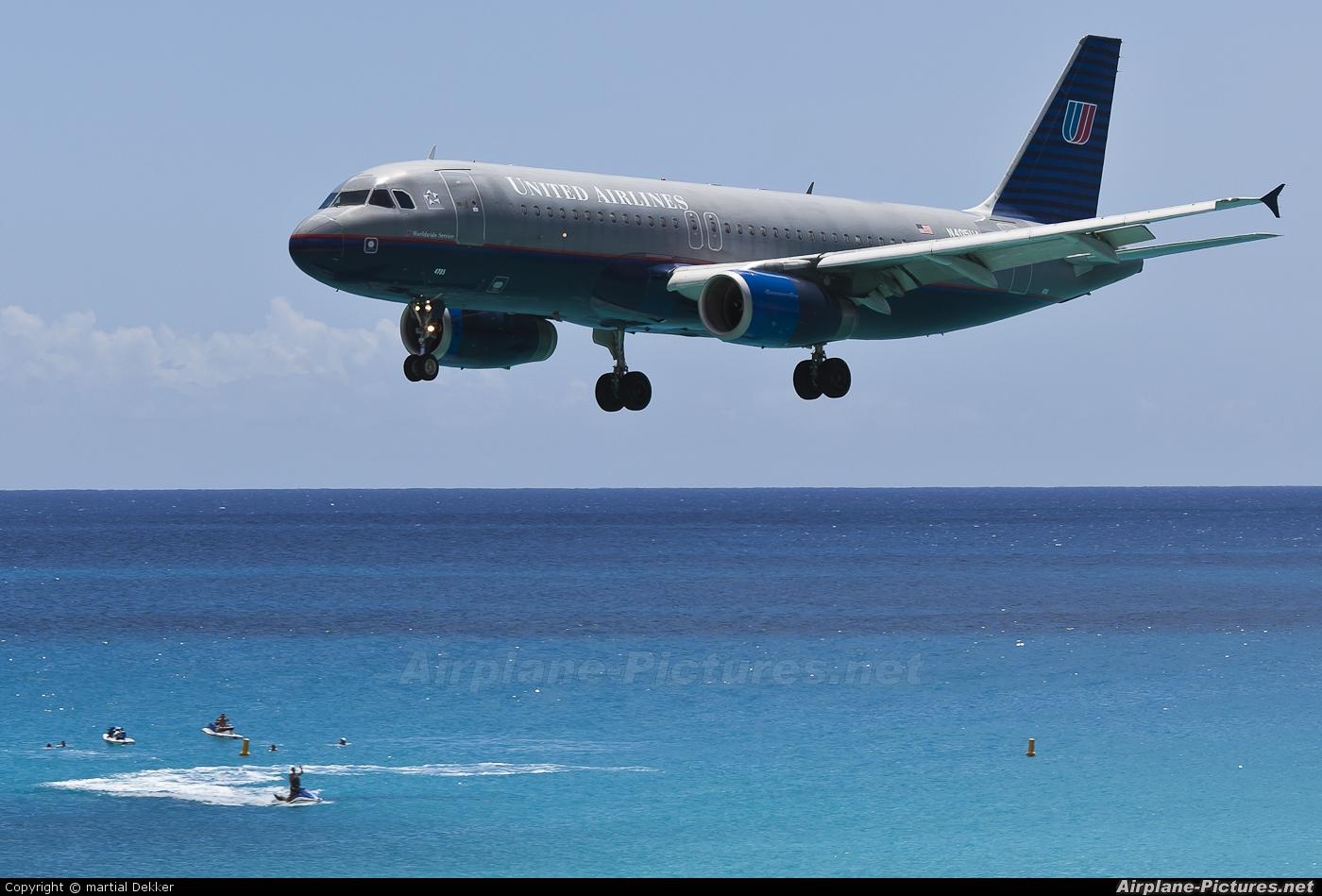 United Airlines N504UA aircraft at Sint Maarten - Princess Juliana Intl