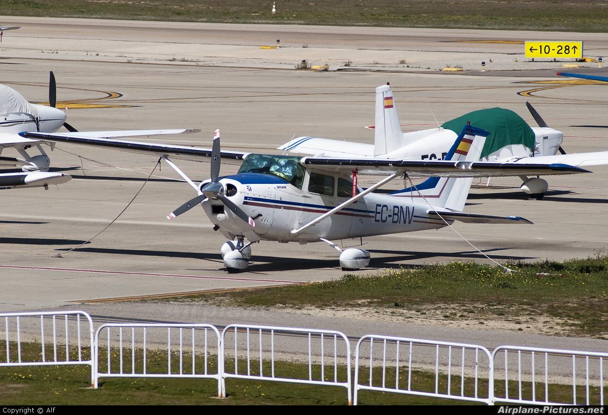 Private EC-BNV aircraft at Madrid - Cuatro Vientos