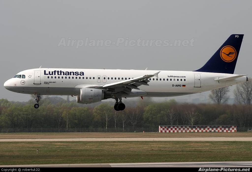 Lufthansa D-AIPD aircraft at Düsseldorf
