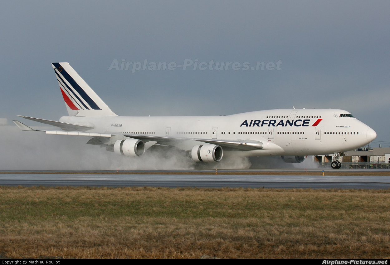 F gexb air france boeing 747 400 at montreal pierre for Interieur 747 air france