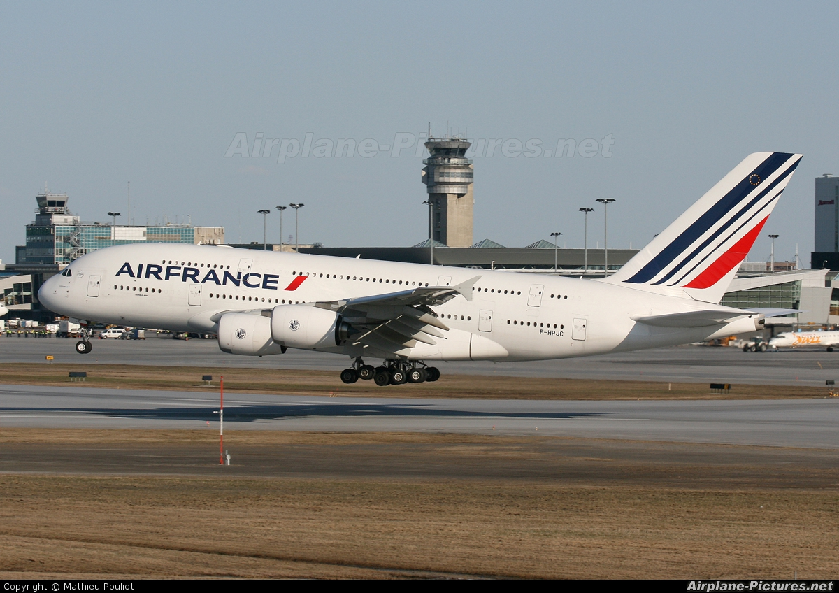 F hpjc air france airbus a380 at montreal pierre for A380 air france interieur