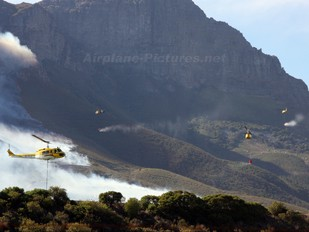 ZS-HLA - Working on Fire Bell UH-1H Iroquois