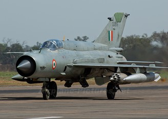 CU2196 - India - Air Force Mikoyan-Gurevich MiG-21bisUPG Bison