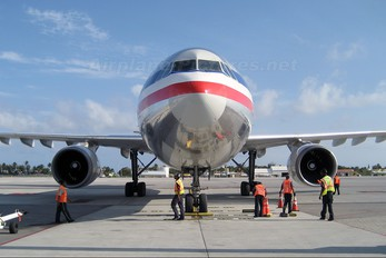 N7062A - American Airlines Airbus A300