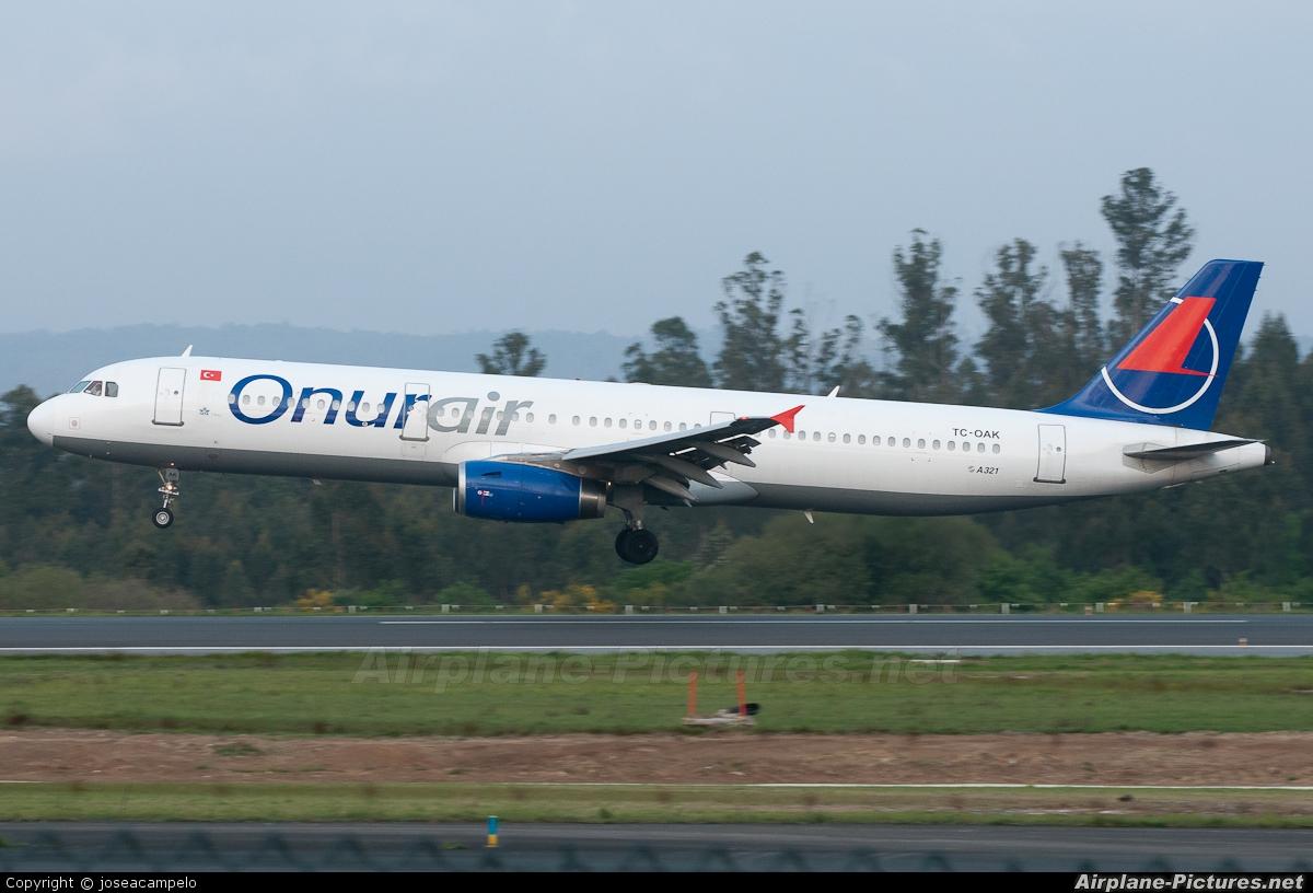 Onur Air TC-OAK aircraft at Santiago de Compostela