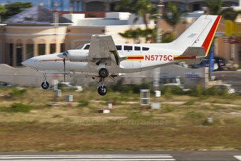 N5775C - Private Cessna 402C