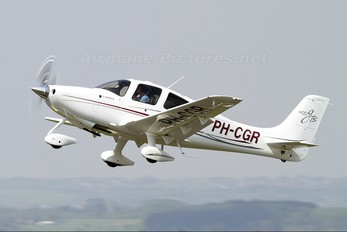 PH-CGR - Private Cirrus SR20