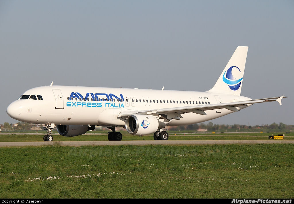 Ly vex avion express italia airbus a320 at bologna borgo panigale