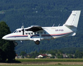 OM-PGD - Sky-Diving For Fun LET L-410 Turbolet