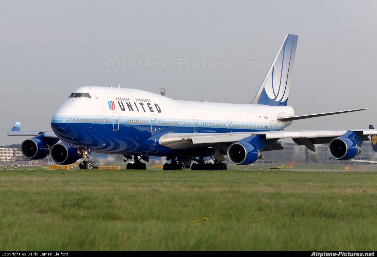 United Airlines N105UA aircraft at London - Heathrow