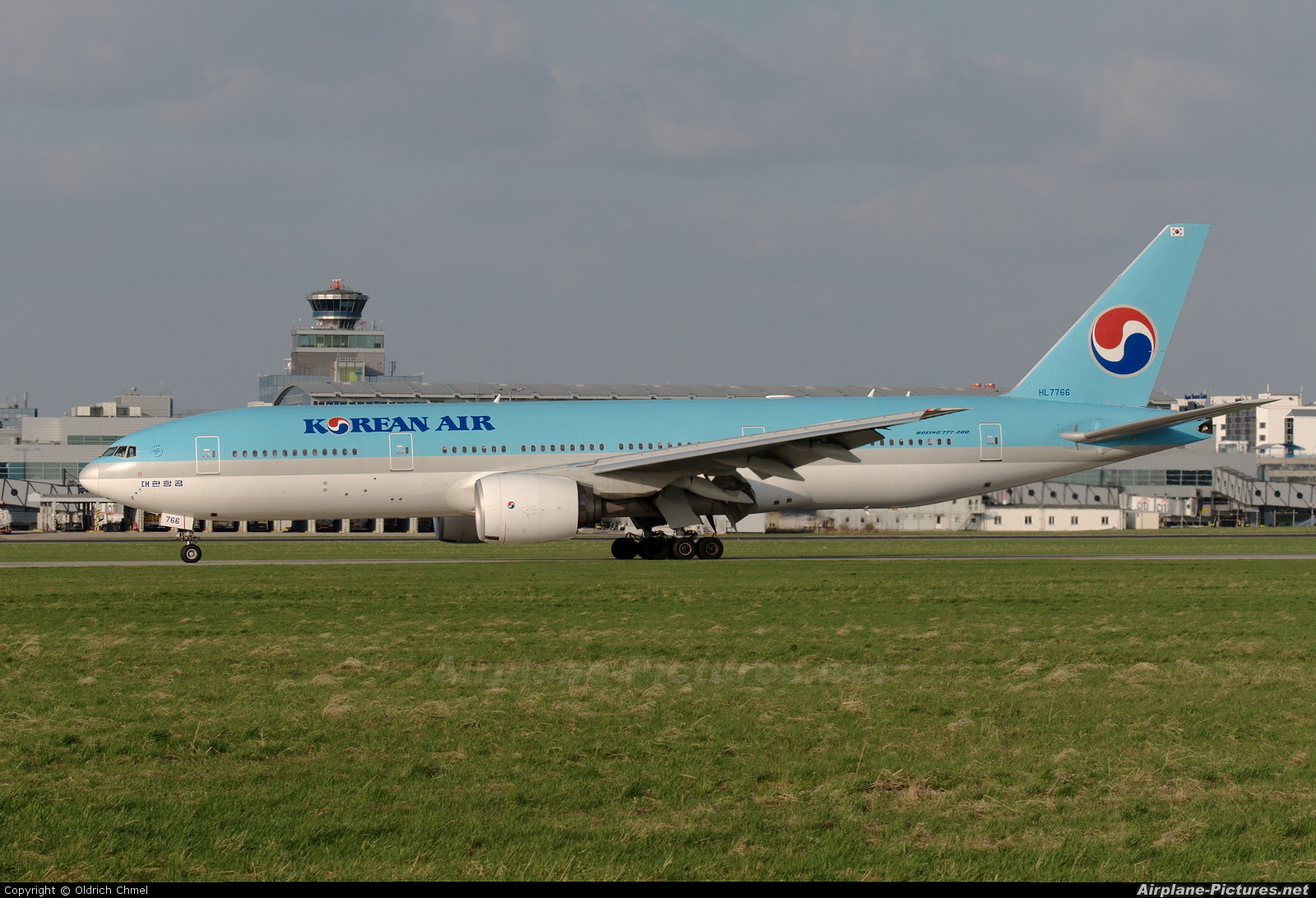 Korean Air HL7766 aircraft at Prague - Václav Havel