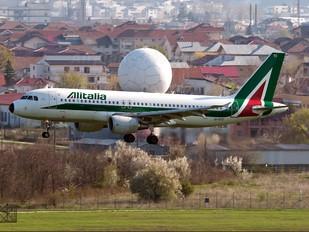 EI-DTC - Alitalia Airbus A320