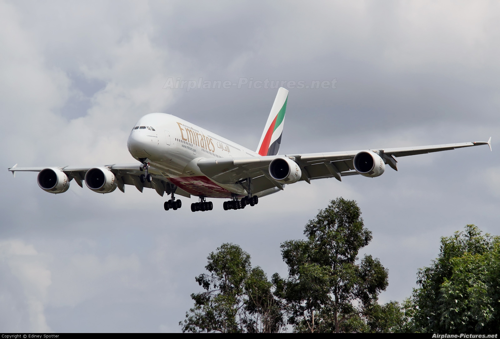 Emirates Airlines A6-EDC aircraft at London - Heathrow