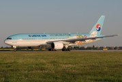 HL7752 - Korean Air Boeing 777-200ER aircraft