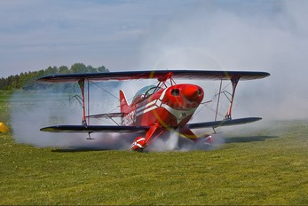 N6083U - Private Pitts S-2B Special
