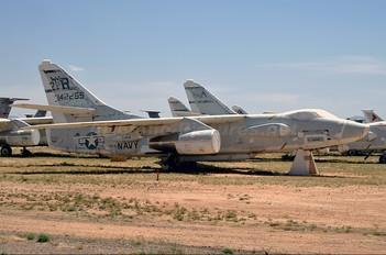 142255 - USA - Navy Douglas TA-3B  Skywarrior