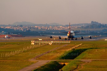 - - British Airways Boeing 747-400
