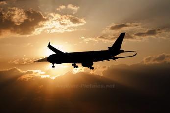 - - Oman Air Airbus A330-200