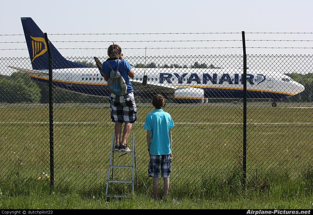 Ryanair EI-DCN aircraft at Eindhoven